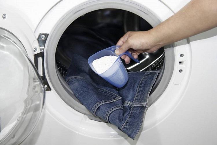 Як прати джинси в пральній машині