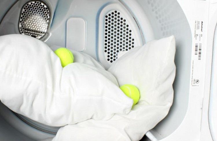 как постирать подушку