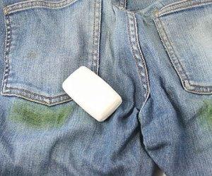 как отстирать пятна от травы на джинсах