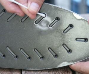 как почистить тефлоновое покрытие утюга