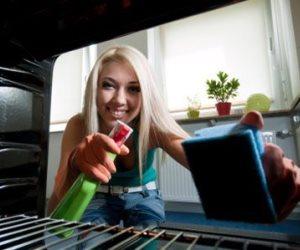 как почистить духовку газовую