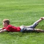 Как выводить пятна от травы с одежды