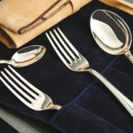 Готовимся к праздничному застолью – как почистить столовое серебро