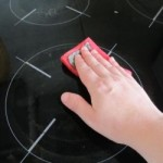 Как очистить стеклокерамическую плиту, не повредив ее