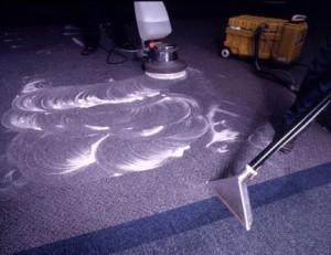 как почистить ковролин шампунем