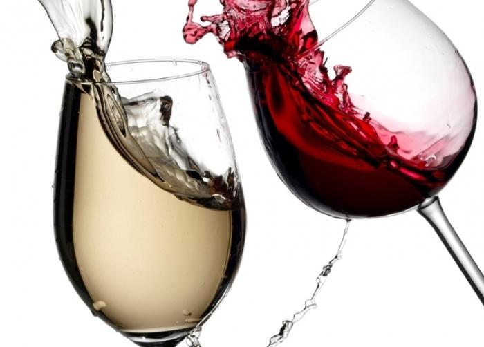 отстирать вино вином