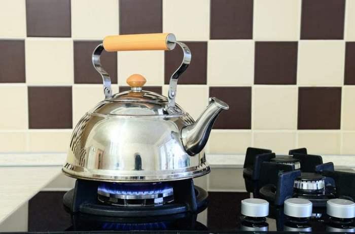 почистить чайник уксусом