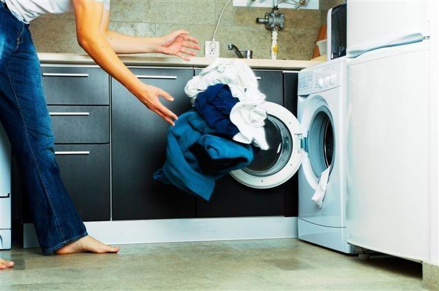 plamy na ubraniach po praniu