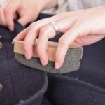 Як почистити пальто: кашемірове, драпове, вовняне