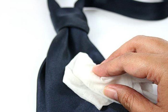 как отстирать одежду от корректора