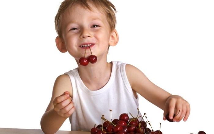 как вывести пятна от вишни