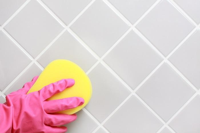 почистить межплиточные швы
