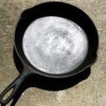 Як очистити алюмінієву сковороду від нагару