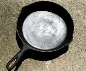 Как очистить алюминиевую сковороду от нагара