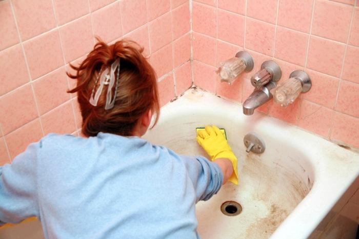 Як відмити ванну від нальоту