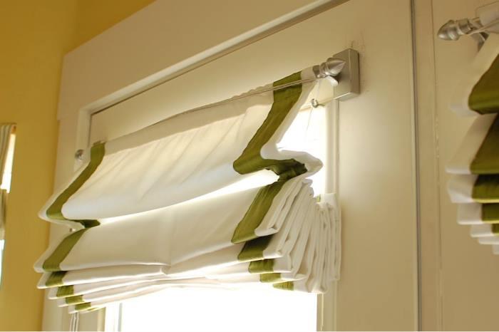 Як прати римські штори