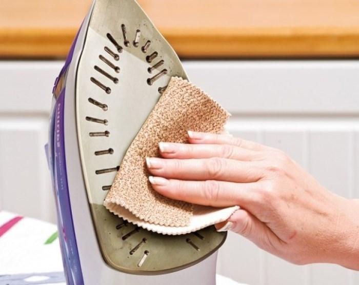как почистить керамический утюг