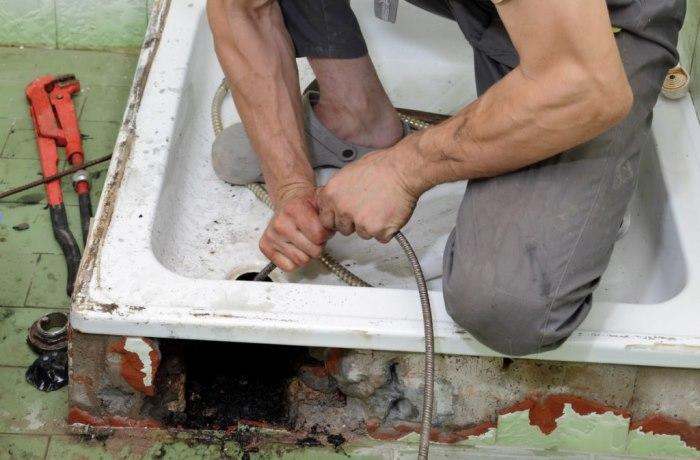 Як прочистити каналізацію в домашніх умовах