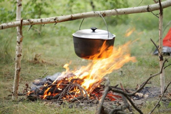 Як прожарити чавунний казан