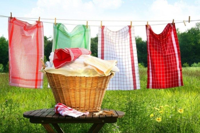 Як відіпрати кухонні рушники від плям та запахів