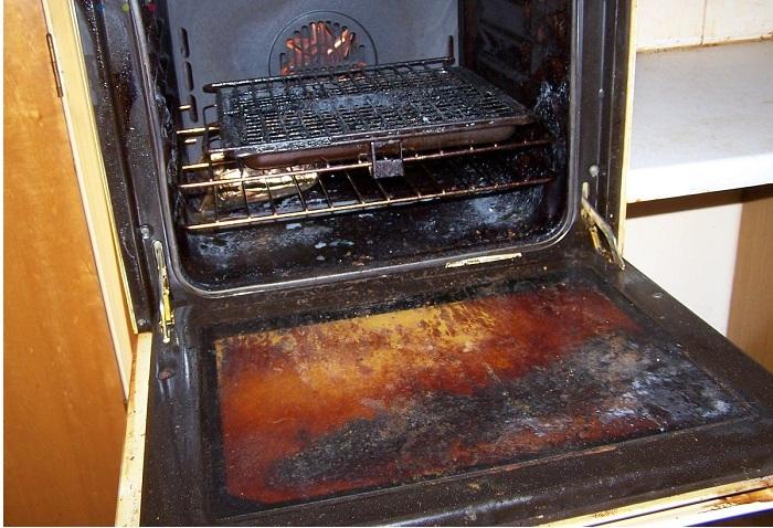 Як очистити духовку від нагару в домашніх умовах