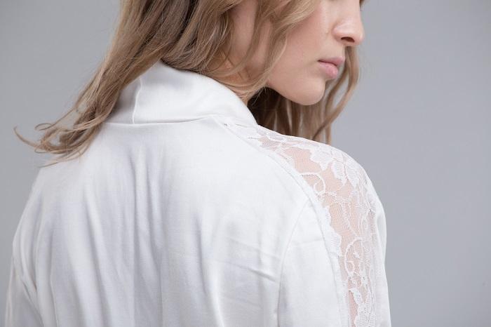 как отстирать белую блузку