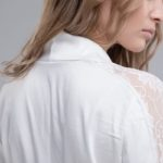 Як відіпрати білу блузку народними способами
