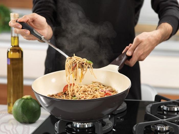 як очистити керамічну сковороду від нагару