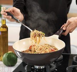 Как очистить керамическую сковороду от нагара