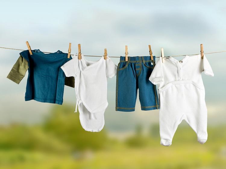 как постирать одежду новорожденного