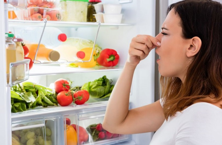How to remove a bad smell in the fridge