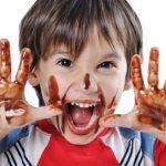 Як відіпрати шоколад з одягу