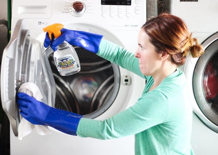 як вивести запах за пральної машини