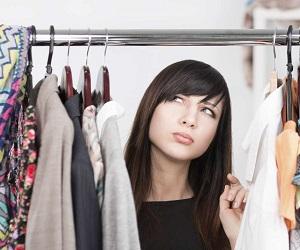 Как избавиться от запаха в шкафу с одеждой