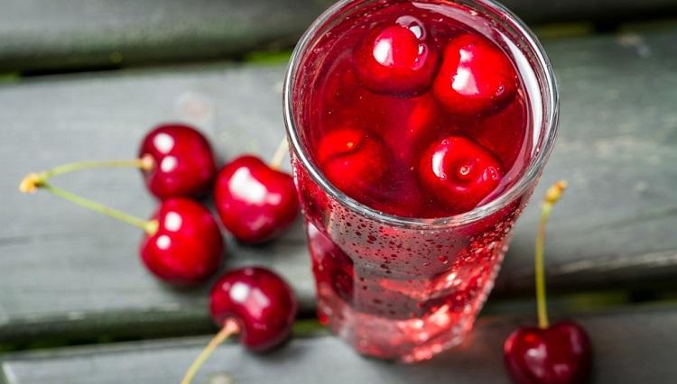Як відіпрати вишневий сік підручними засобами