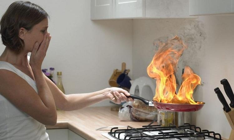 Как убрать запах гари из квартиры