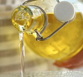 Как отстирать подсолнечное масло с одежды