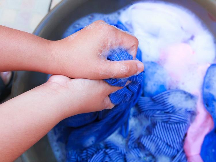 как стирать полиэстер вручную