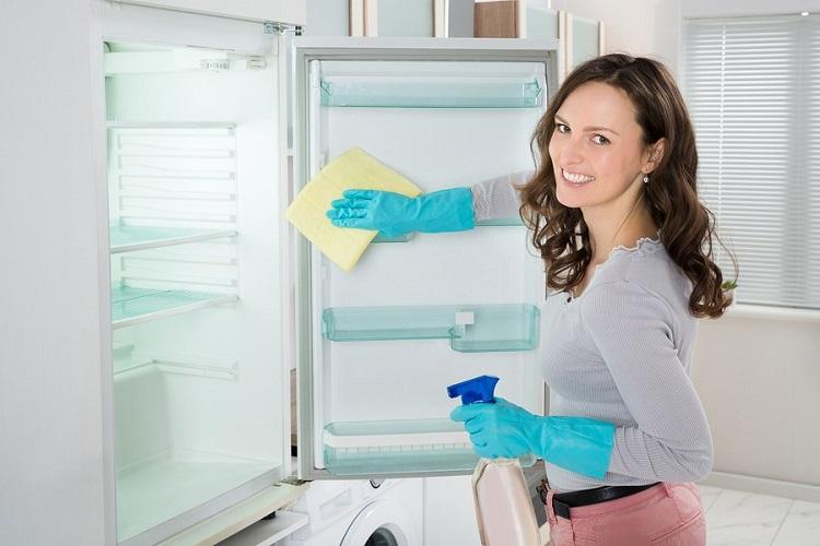 Jak umyć lodówkę w środku