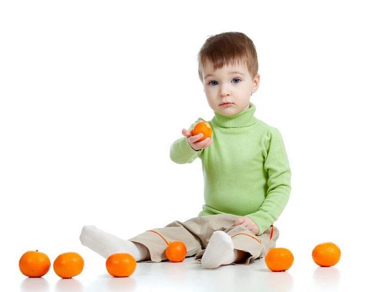 как вывести пятно от мандарин