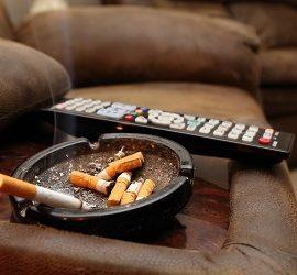 Jak pozbyć się zapachu papierosów w mieszkaniu – 5 najlepszych praktyk