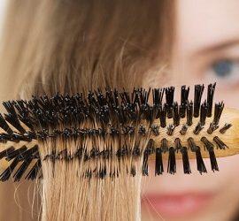 Як почистити гребінець від волосся і бруду