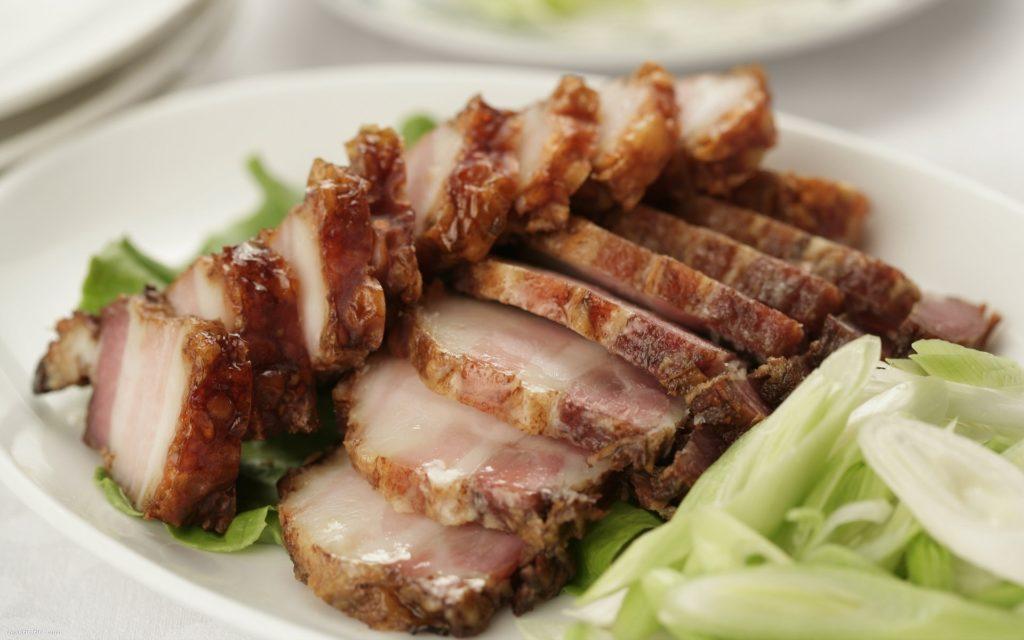можно ли хранить копченое мясо