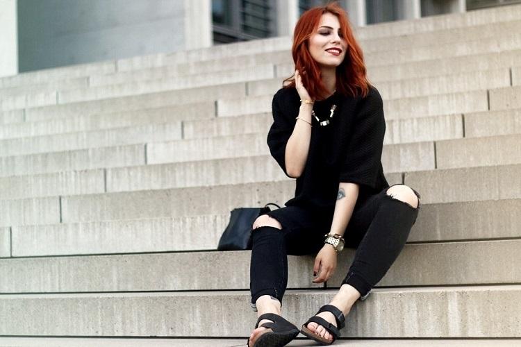 Як відновити чорний насичений колір одягу
