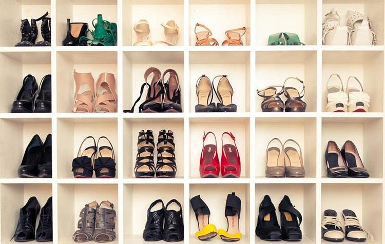 зберігання взуття в гардеробній