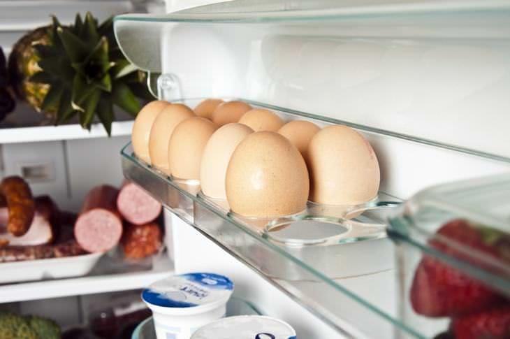 скільки зберігаються яйця в холодильнику