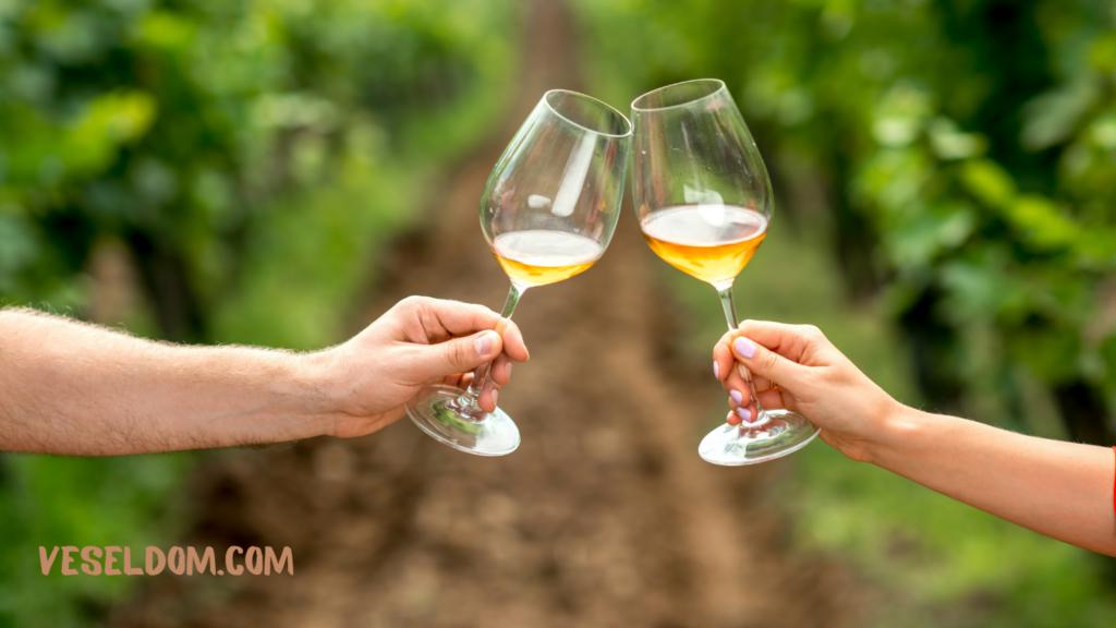 Переваги кришталевих келихів для вина
