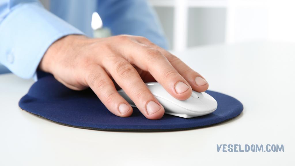 Як почистити килимок для мишки